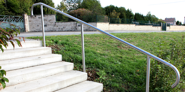 Rampe d 39 escalier inox - Main courante exterieure ...